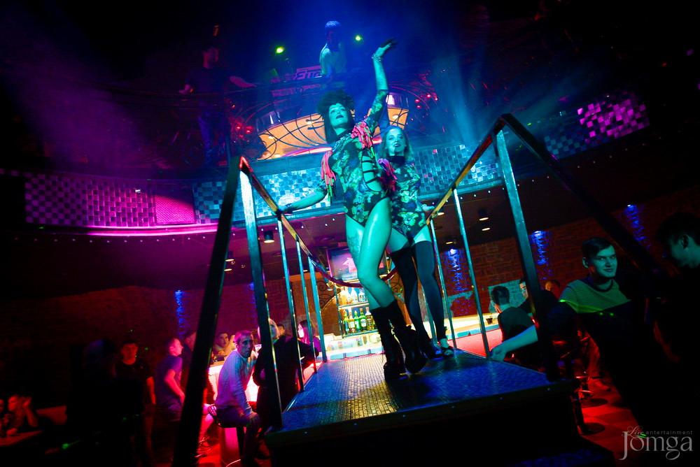 Валенки ночной клуб танцы в ночных клубах видео девушки